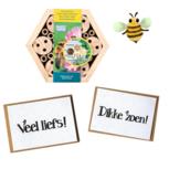 Bijenhotel met bloeikaart